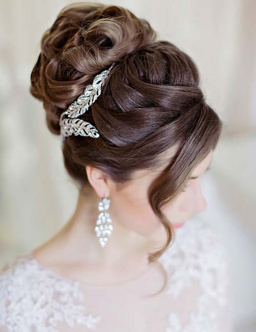 20 Exquisite Prom Updos For Long Hair