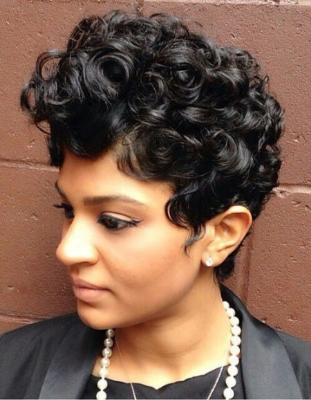 curly-q-short-wavy-hairstyles