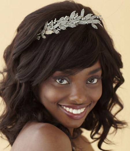 wavy-bob-with-headband-black-wedding-hairstyles