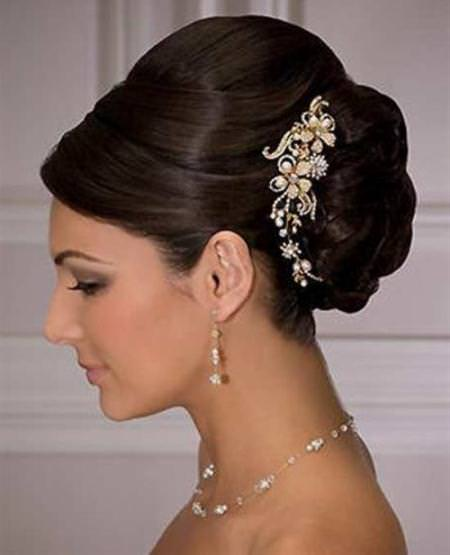 lack-swirled-updo-black-wedding-hairstyle