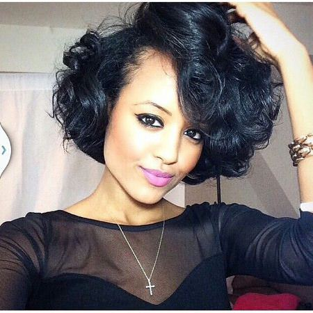 bulky-wavy-crop-short-curly-hairstyles