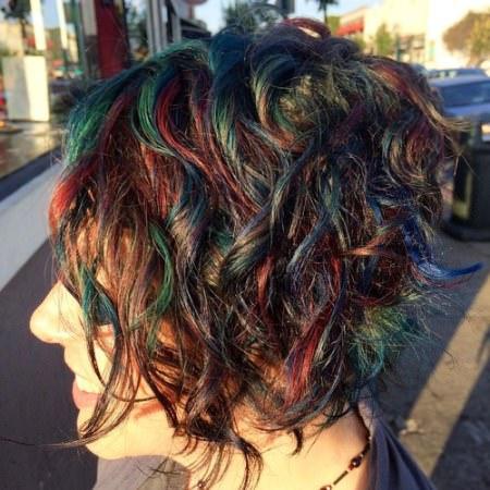 multi-colored-spirals-short-wavy-hairstyles