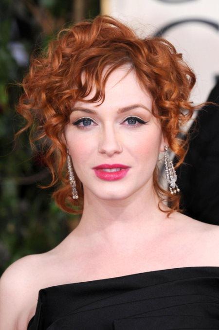 pinned-red-spirals-short-wavy-hairstyles
