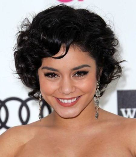shiny-black-short-curly-hairstyles