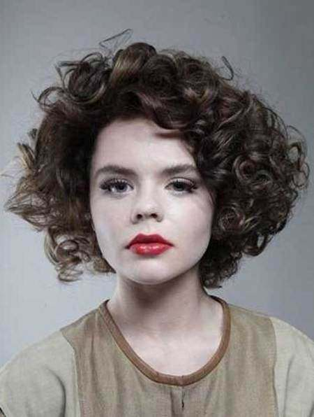 Curled cutie short hairstyles for thick hair