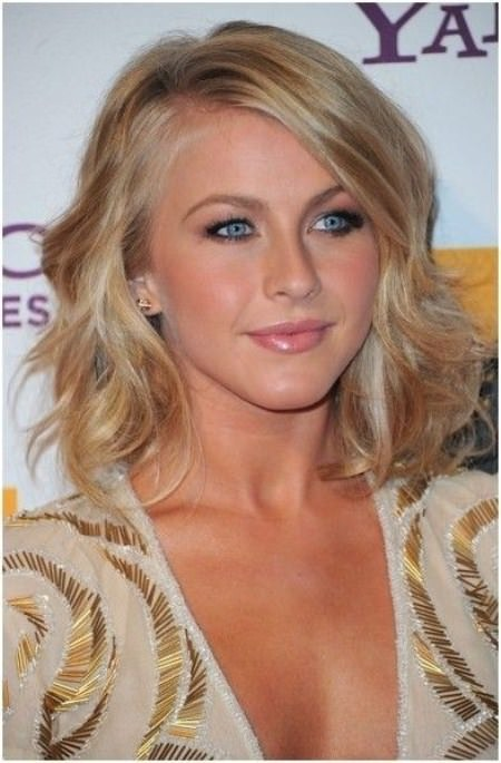 Messy waves curl short wavy hairstyles for girls