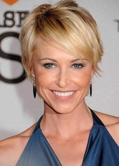 Sleek bob with thin layer short hairstyles for fine hair