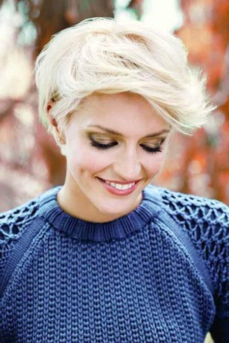 bleach blonde pixie choppy pixie cuts